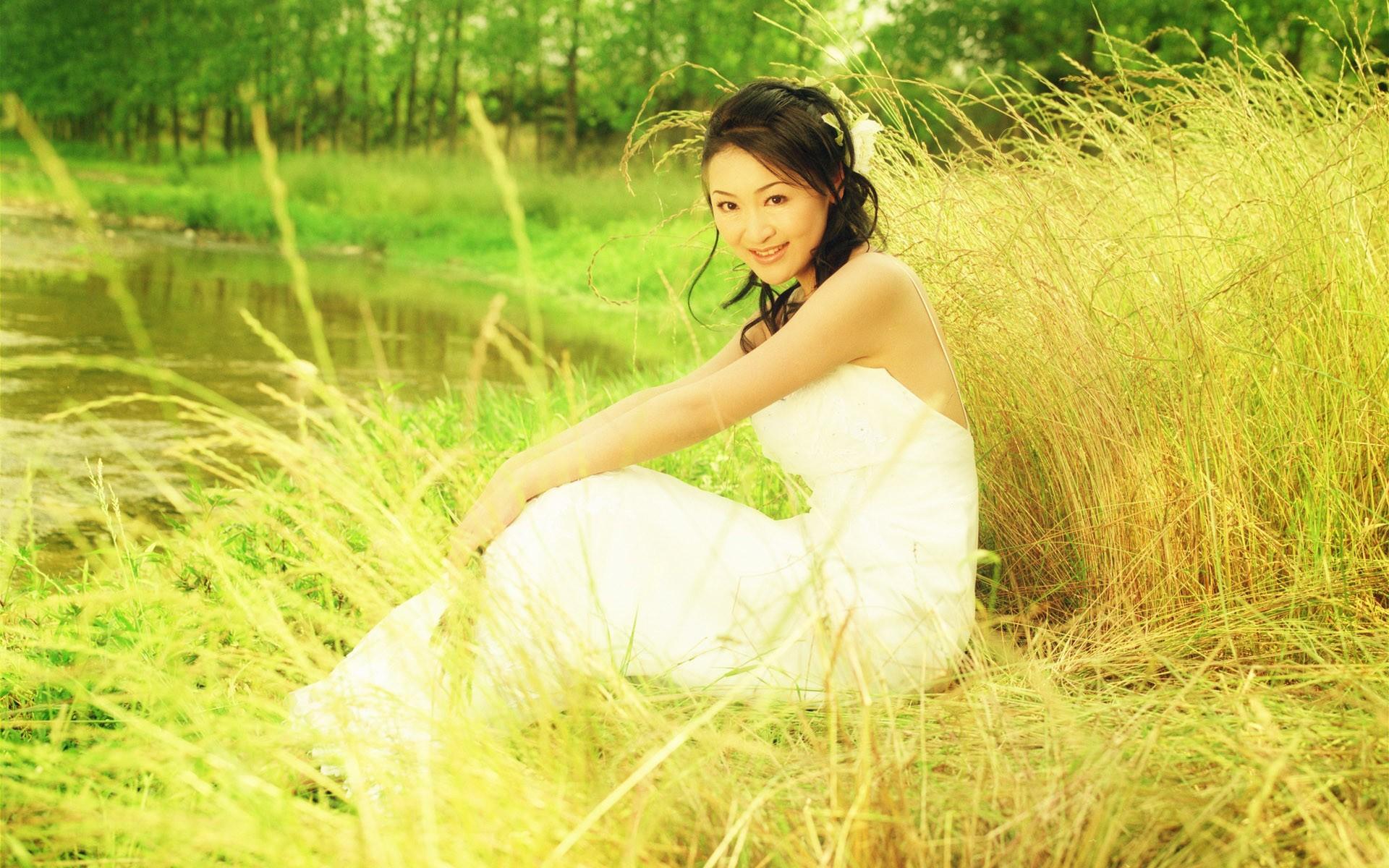 Фото девушек в летнем платье 16 фотография