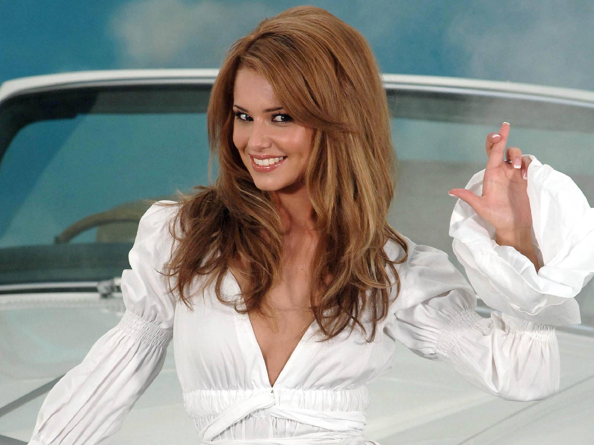 Самые красивые девушки в блузках 6 фотография