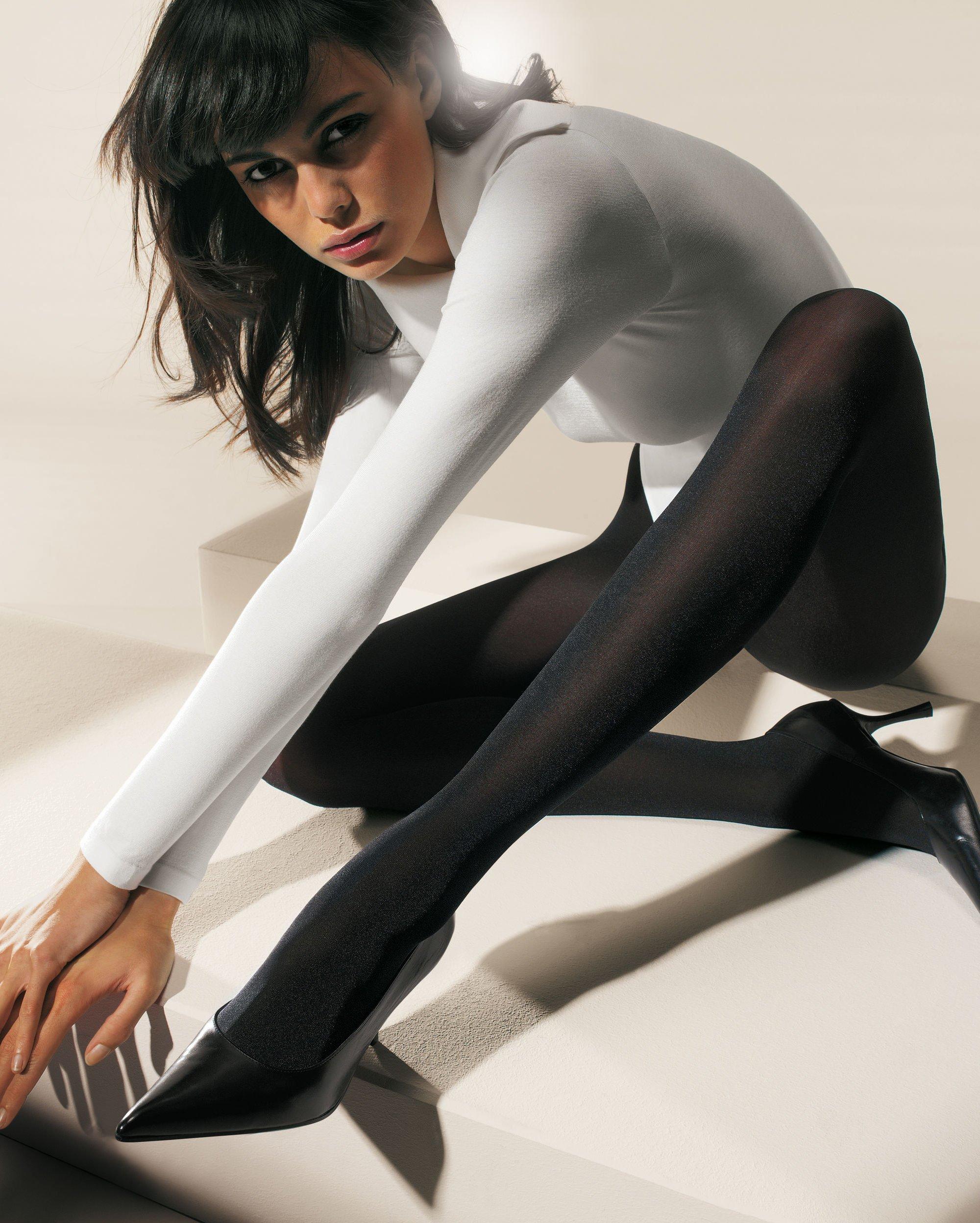 Красивые девушки в черных колготках 22 фотография