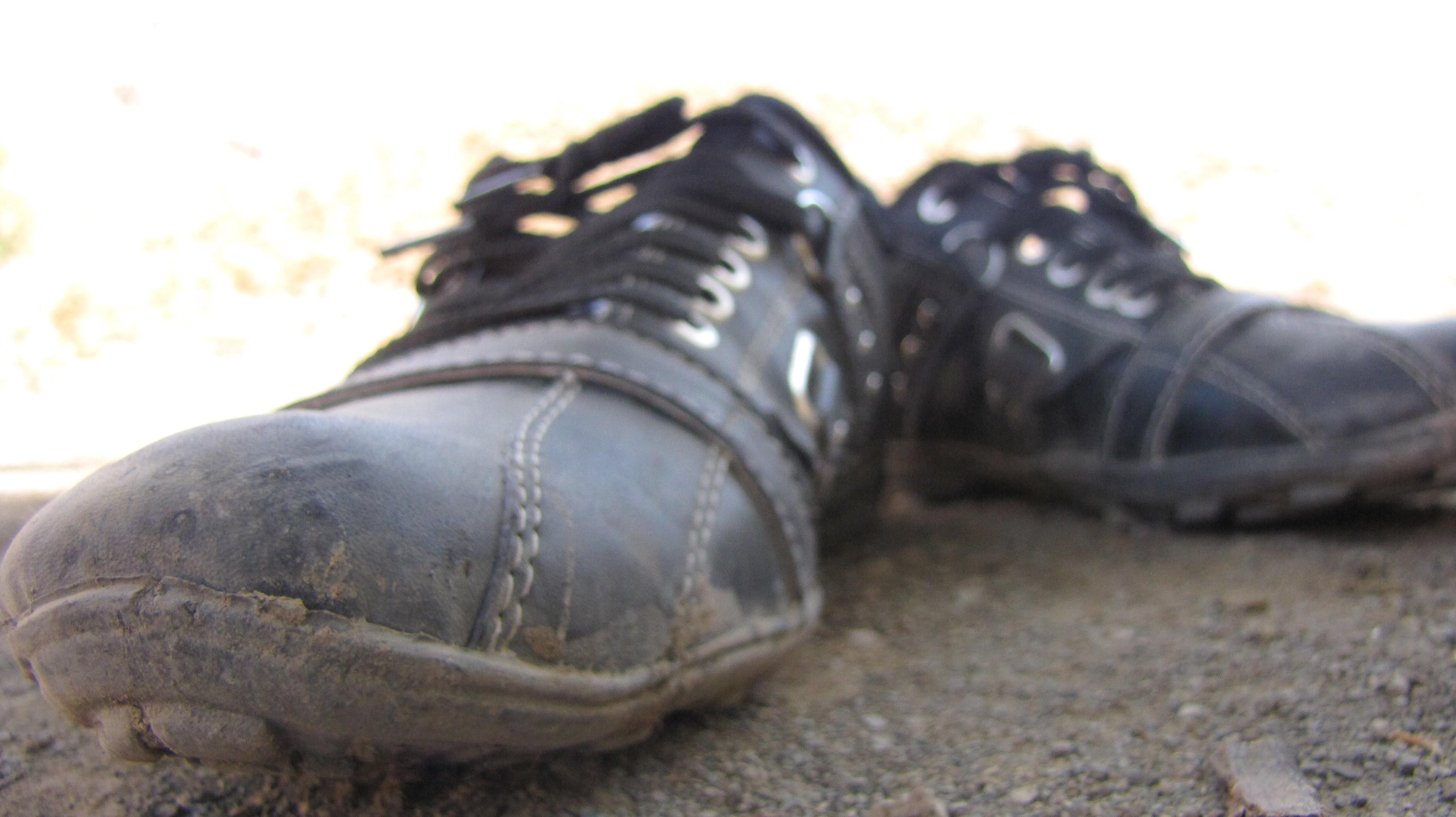 Фото грязные туфли языком 14 фотография