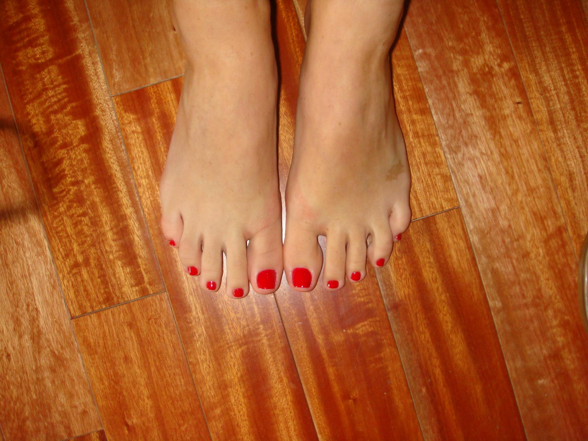 Черный лак на ногах 29 фотография