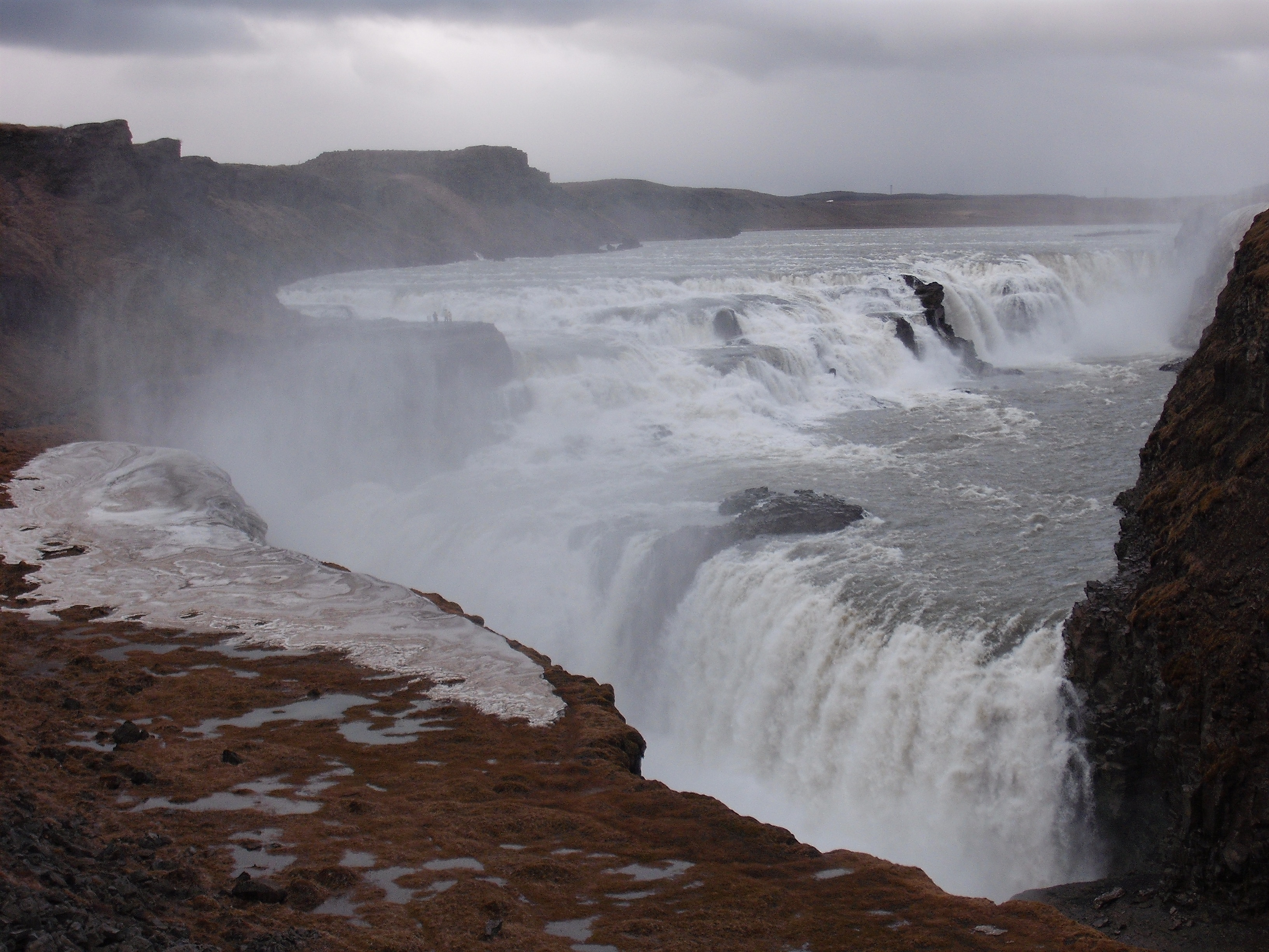 http://cdn.oboi7.com/fe531bd98bb86b72edd7068b83040589ae72f990/pejzazhi-priroda-islandiya-vodopady.jpg
