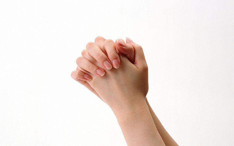 Жест руку на свое плечо 7