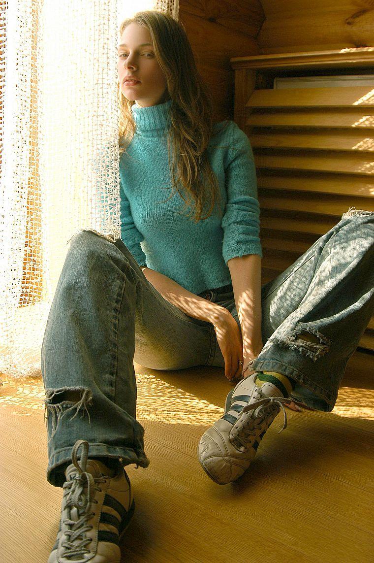 Трах в рваных джинсах 12 фотография