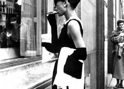 Одри Хепберн, оттенки серого, монохромный, Завтрак в Тиффани - обои на рабочий стол