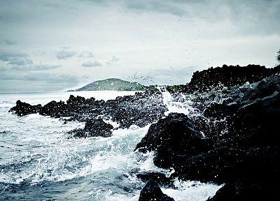 вода, пейзажи, природа, скалы, берег, рябь, брызги, море - обои на рабочий стол