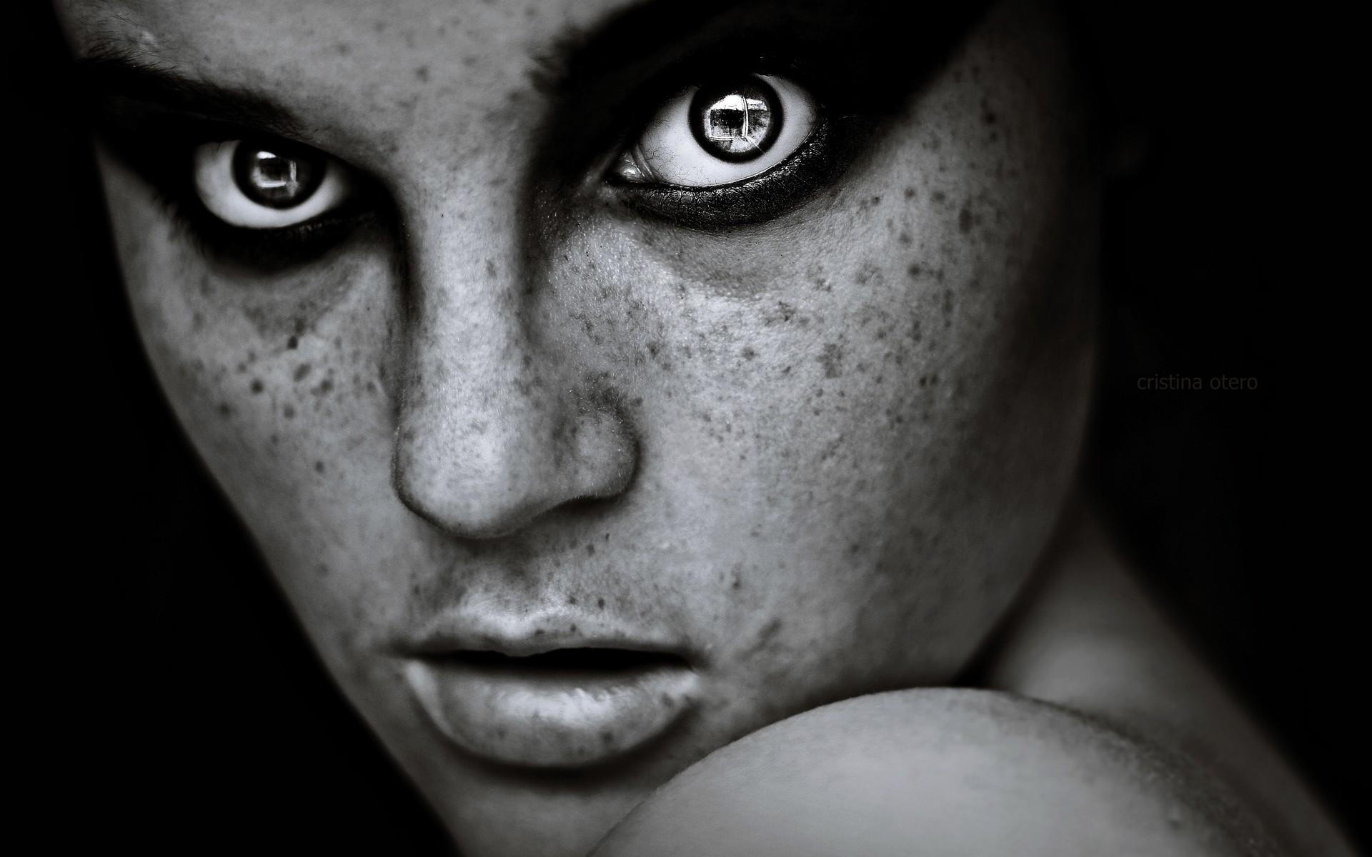 Обращаем внимания лица прекрасные глаза порою черствую