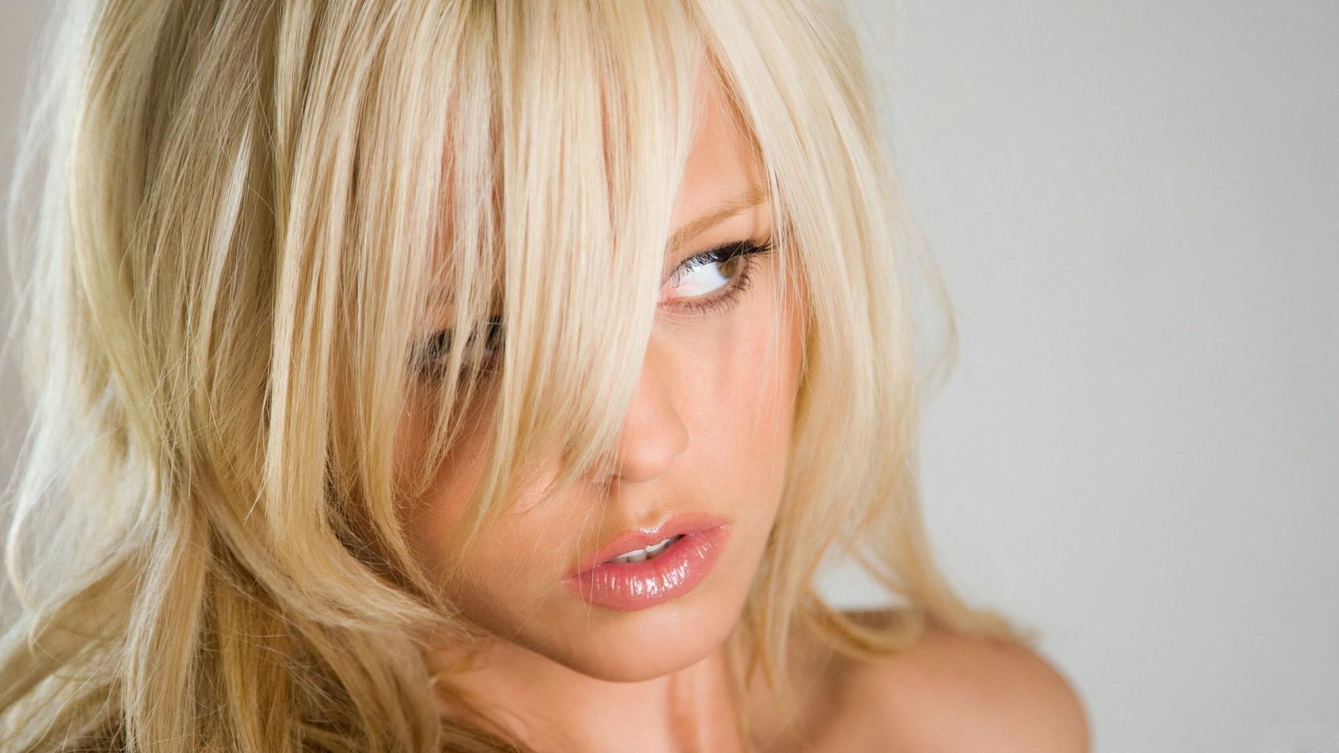 Фотографии трахающихся блондинок