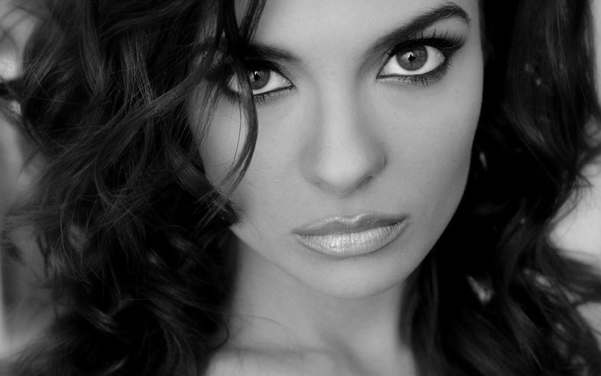 Самая красивая девушка картинки вся черная